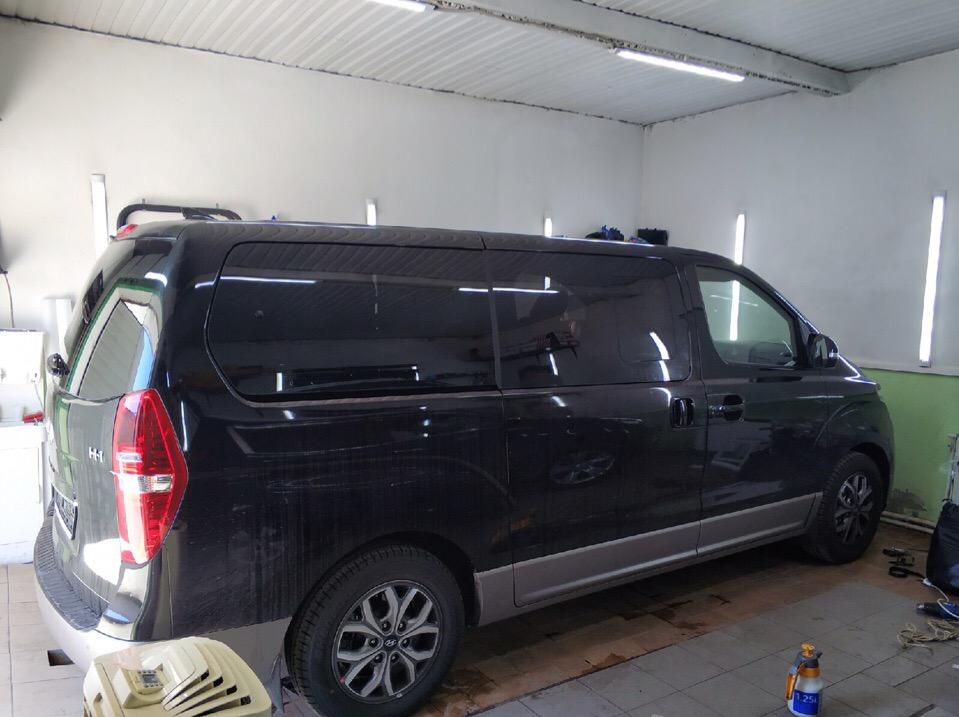 Тонировка Hyundai H1 в Зеленограде
