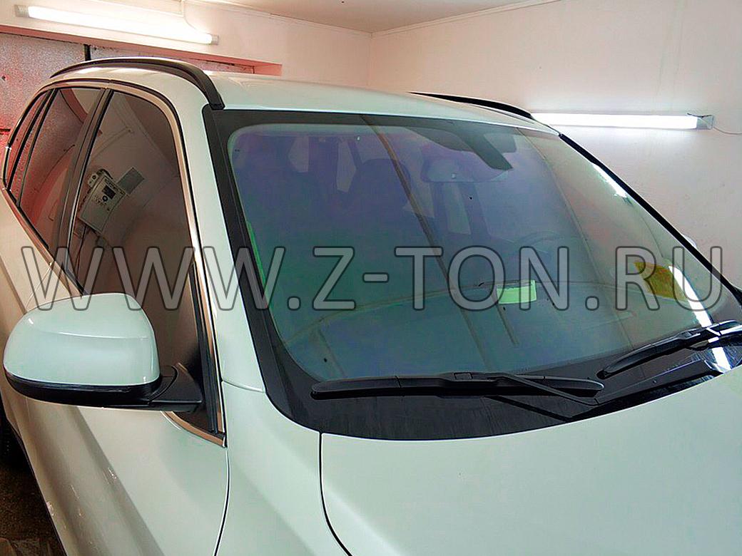 Тонировка BMW X5 передние стекла съемной тонировкой 15%, лобовое стекло хамелеон 93%